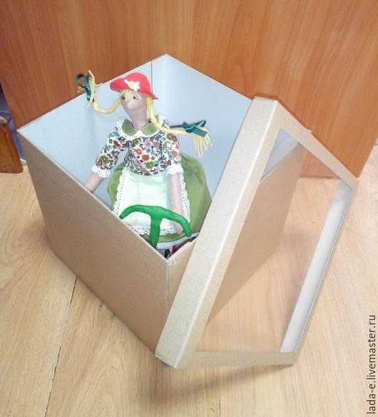 Упаковка ручной работы. Ярмарка Мастеров - ручная работа. Купить Коробка из микрогофрокартона с окном 23х23х23 см. Handmade. Коричневый