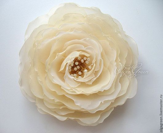 Броши ручной работы. Ярмарка Мастеров - ручная работа. Купить Брошь цветок из ткани ванильного цвета. Handmade. Ванильный, палевый