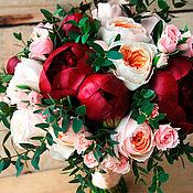Свадебный салон ручной работы. Ярмарка Мастеров - ручная работа Свадебный букет невесты из живых цветов Винный. Handmade.
