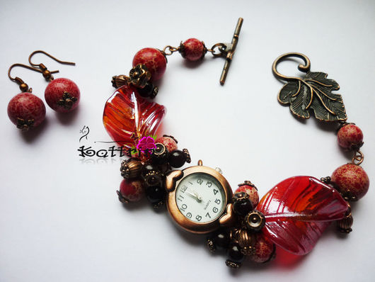 """Часы ручной работы. Ярмарка Мастеров - ручная работа. Купить Часы """"Лепестки в Конфитюре"""". Handmade. Бордовый, подарок, варенье, варисцит"""