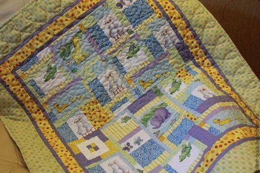 Пледы и одеяла ручной работы. Ярмарка Мастеров - ручная работа. Купить Детское лоскутное одеяло Зверюшки-2, для новорожденного. Handmade.