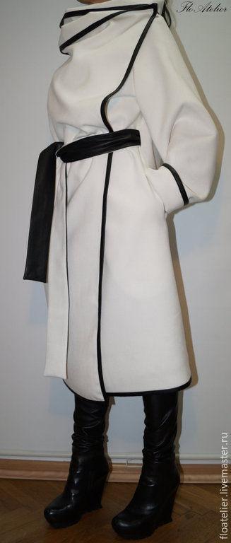 Верхняя одежда ручной работы. Ярмарка Мастеров - ручная работа. Купить Пальто с высоким воротником/Ассиметричный жилет с карманами/F1410. Handmade. Белый