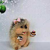 """Войлочная игрушка ручной работы. Ярмарка Мастеров - ручная работа Ёжик """"Сластёна"""". Handmade."""