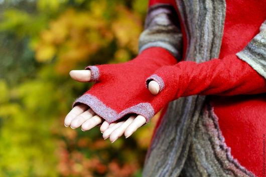 Варежки, митенки, перчатки ручной работы. Ярмарка Мастеров - ручная работа. Купить Митенки валяные -  красные с серой отделкой. Handmade.