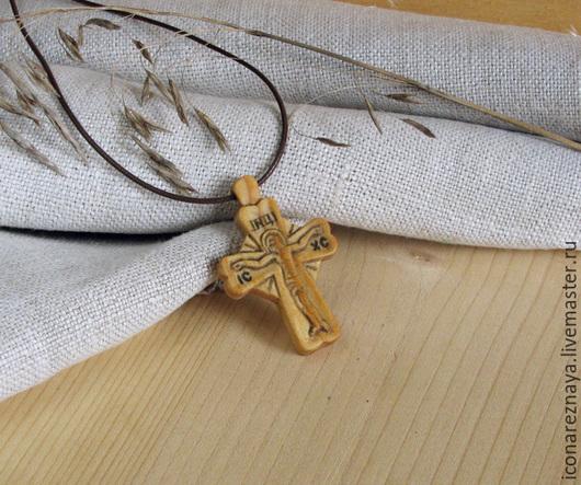 `Псков` - деревянный резной нательный крест-распятие из кипариса