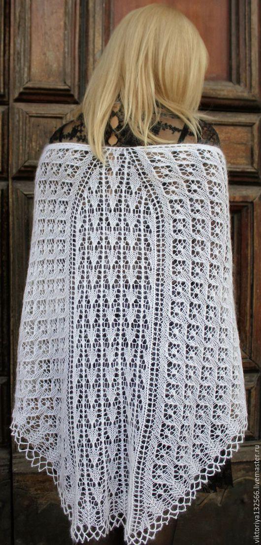 """Шали, палантины ручной работы. Ярмарка Мастеров - ручная работа. Купить Ажурная шаль """"Белые тюльпаны"""". Handmade. Белый"""