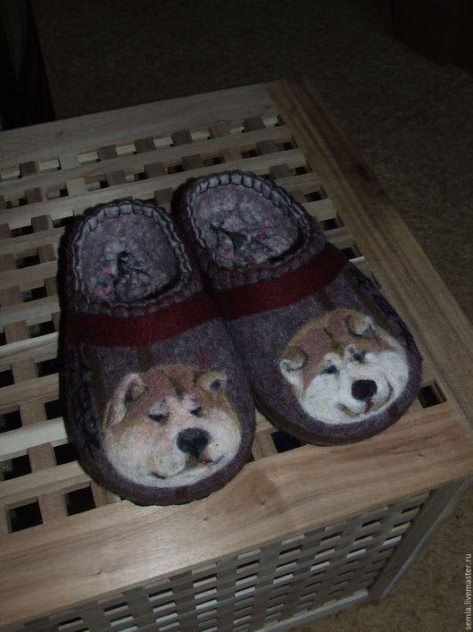 Обувь ручной работы. Ярмарка Мастеров - ручная работа. Купить Домашние тапочки Акита Ину2. Handmade. Темно-серый
