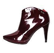 Обувь ручной работы handmade. Livemaster - original item Burgundy ankle boots from genuine patent leather. Handmade.