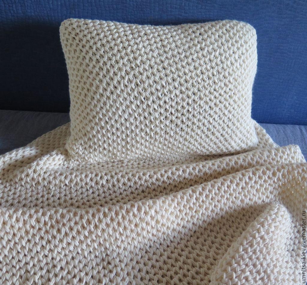 Photo. Baby blanket knitted honey comb - a great gift for a child.
