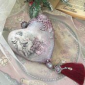 """Подарки к праздникам ручной работы. Ярмарка Мастеров - ручная работа Подвеска-сердце""""Ангелы и шиповник"""". Handmade."""