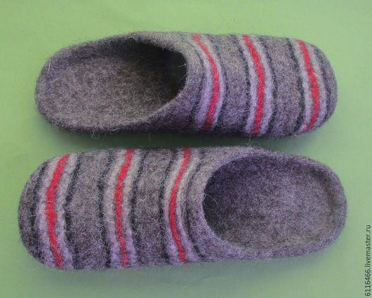 Обувь ручной работы. Ярмарка Мастеров - ручная работа. Купить Домашние валяные тапочки-шлепки Полосатики. Handmade. Серый