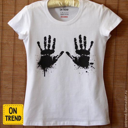 """Футболки, майки ручной работы. Ярмарка Мастеров - ручная работа. Купить Женская футболка """"Притяжение рук"""" (WF032). Handmade. Белый"""
