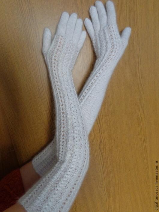 Варежки, перчатки ручной работы. Перчатки вязаные. Длинные перчатки вязаные «ЛЕБЕДУШКА» из коллекций «ПОДАРКИ». Olgafrancesca . Ярмарка мастеров.