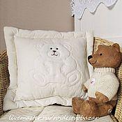 Для дома и интерьера ручной работы. Ярмарка Мастеров - ручная работа Маленькая подушечка с аппликацией. Handmade.
