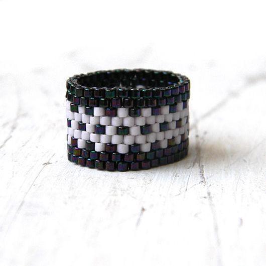 Кольца ручной работы. Ярмарка Мастеров - ручная работа. Купить Широкое кольцо с узором, необычное кольцо из бисера. Handmade.