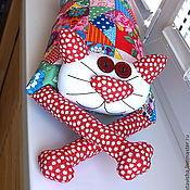 """Для дома и интерьера ручной работы. Ярмарка Мастеров - ручная работа Игрушка-подушка """"Радужный кот"""" деревенский пэчворк. Handmade."""