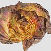 """Аксессуары ручной работы. Ярмарка Мастеров - ручная работа Шелковый платок """"Золотистый вечер"""" из натурального шелка с росписью. Handmade."""