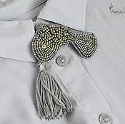 """Украшения ручной работы. Ярмарка Мастеров - ручная работа Брошь """"Серебряная рыбка"""", бисер и шелк. Handmade."""