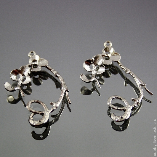Подвески металлические для сборки сережек Цветы в форме лианы с цветами и двумя шпеньками для приклеивания бусин\r\n\r\nВид спереди