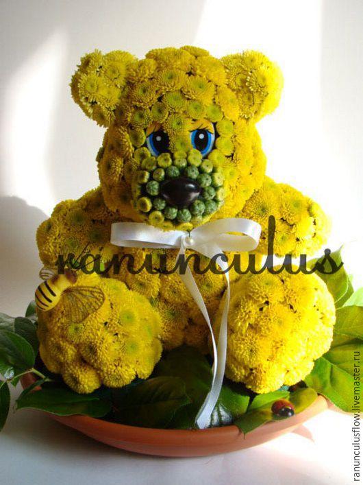Букеты ручной работы. Ярмарка Мастеров - ручная работа. Купить Мишка из живых цветов. Handmade. Желтый, игрушки из цветов