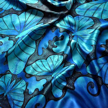 Аксессуары ручной работы. Ярмарка Мастеров - ручная работа Шелковый атласный платок батик Космические бабочки. Handmade.