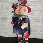 Куклы и игрушки ручной работы. Ярмарка Мастеров - ручная работа Кукла. Снеговик с трубкой (в фиолетовом). Handmade.