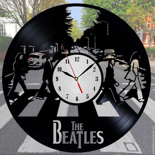 """Часы для дома ручной работы. Ярмарка Мастеров - ручная работа. Купить Часы из пластинки """"The Beatles"""". Handmade. Черный, часы"""