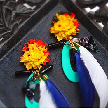 Украшения ручной работы. Ярмарка Мастеров - ручная работа Клипсы с крупной хризантемой и перьями. Handmade.