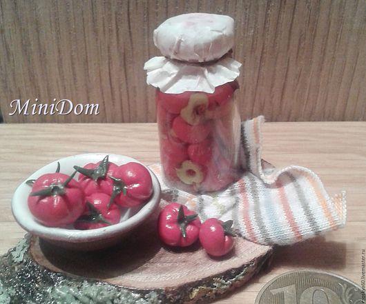 Еда ручной работы. Ярмарка Мастеров - ручная работа. Купить Банка с помидорами консервация кукольная миниатюра. Handmade. Ярко-красный