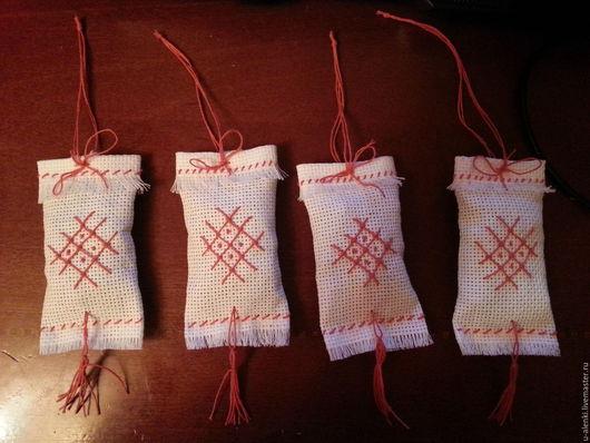 4 мешочка, которые готовы служить своему хозяину.