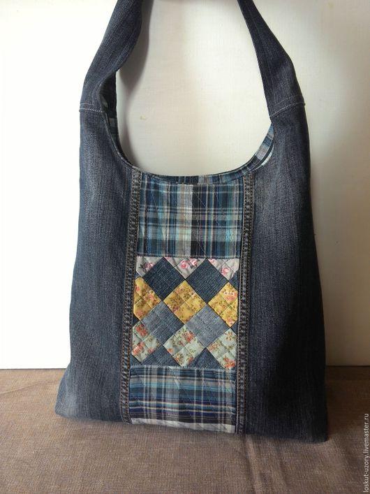 Женские сумки ручной работы. Ярмарка Мастеров - ручная работа. Купить Джинсовая сумка-торба с лоскутной хлопковой вставкой. Handmade.