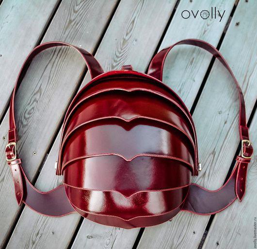 Рюкзак «Жук» XL ручной работы, сделан из натуральной кожи (анилин). Цвет панцирного каркаса – вишневый, цвет срезов – бордовый, цвет декоративной строчки - красный. OVOLLY (ovoly)