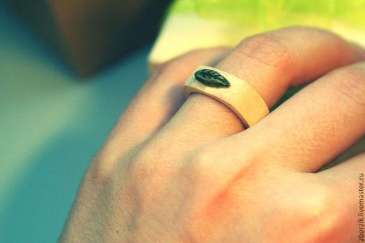 Кольца ручной работы. Ярмарка Мастеров - ручная работа. Купить Деревянное кольцо с резным листом. Handmade. Болотный, подарок мужу