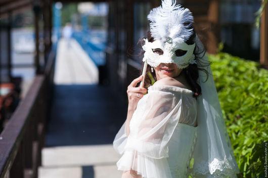 Аксессуары для фотосессий ручной работы. Ярмарка Мастеров - ручная работа. Купить Венецианская свадебная маска со страусиными перьями. Handmade.