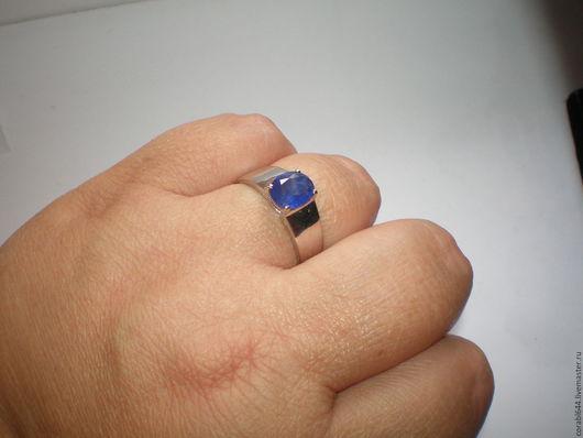 Украшения для мужчин, ручной работы. Ярмарка Мастеров - ручная работа. Купить Авторское серебряное мужское кольцо с королевским сапфиром. Handmade.