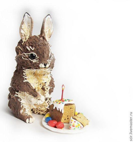 """Игрушки животные, ручной работы. Ярмарка Мастеров - ручная работа. Купить фигурка """"пасхальный кролик"""" (с куличом, яйцами и корзинкой). Handmade."""