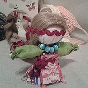 Куклы и игрушки ручной работы. Ярмарка Мастеров - ручная работа Долюшка (куколка на счастье). Handmade.