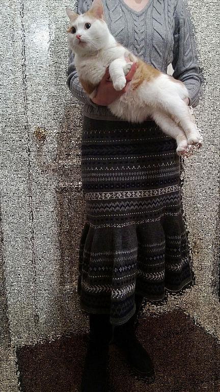 Вот так эта юбочка выглядит на хозяйке. Спасибо большое, Ольга, за фото.