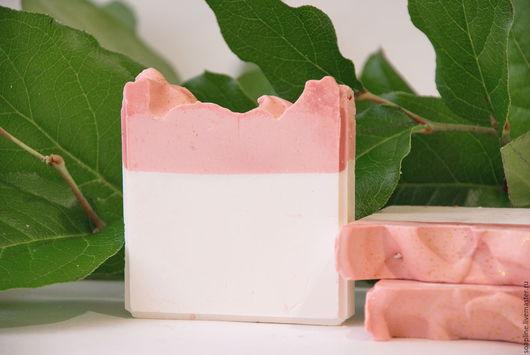 """Мыло ручной работы. Ярмарка Мастеров - ручная работа. Купить """"Красное сладкое яблоко"""" натуральное шелковое мыло с нуля. Handmade."""