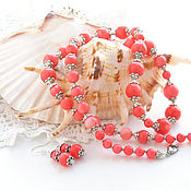 """Украшения ручной работы. Ярмарка Мастеров - ручная работа """"Любимые кораллы"""" - комплект из колье и сережек. Handmade."""