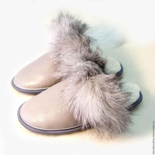 Обувь ручной работы. Ярмарка Мастеров - ручная работа. Купить Домашние тапочки из овчины «Песец». Handmade. Домашние тапочки