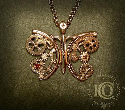 Кулон `Механическая бабочка`, серебро 925 пробы, позолота. Вставки: гранаты.