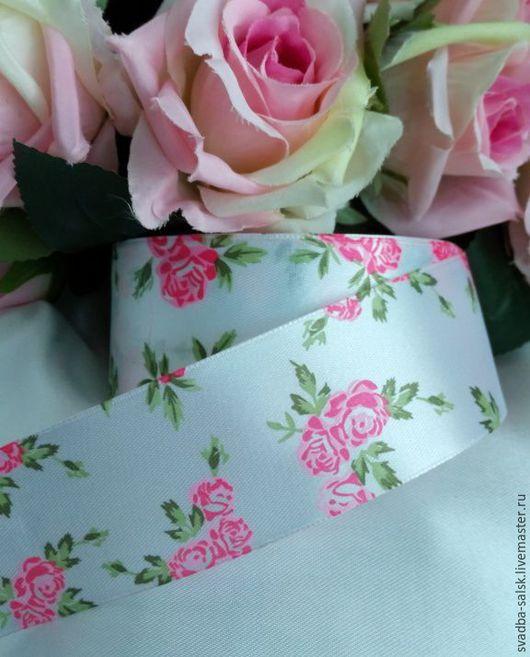 Шитье ручной работы. Ярмарка Мастеров - ручная работа. Купить Лента атласная белая  розовыми розами (40 мм). Handmade.