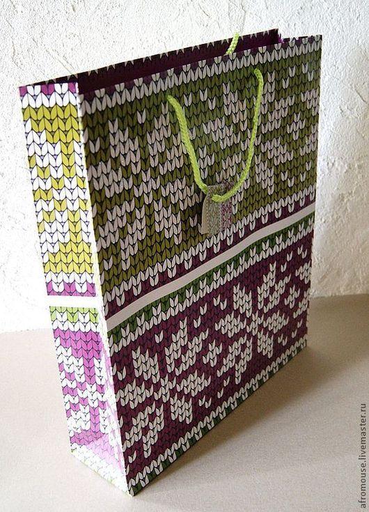 """Упаковка ручной работы. Ярмарка Мастеров - ручная работа. Купить Пакет """"Яркое вязание"""" 32х39х9 см, оливково-фиолетовый, с узорами. Handmade."""