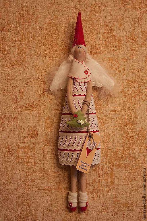 Куклы Тильды ручной работы. Ярмарка Мастеров - ручная работа. Купить - ГЕРДА - Новогодний Ангел тильда. Handmade. Ярко-красный