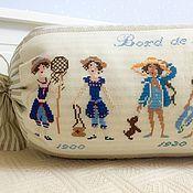 Для дома и интерьера ручной работы. Ярмарка Мастеров - ручная работа Валик ручной работы с вышивкой. Handmade.