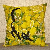 """Для дома и интерьера ручной работы. Ярмарка Мастеров - ручная работа Подушка """" Крадущийся кот, цветущий лимон..."""". Handmade."""