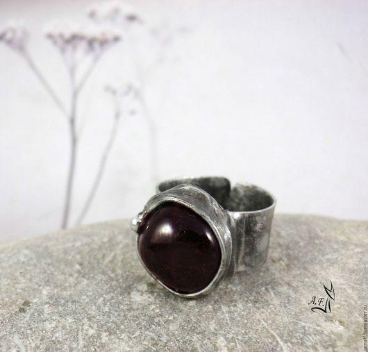 """Кольца ручной работы. Ярмарка Мастеров - ручная работа. Купить """"Музыка ветра"""" - безразмерное кольцо с гранатом альмандином. Handmade. Бордовый"""