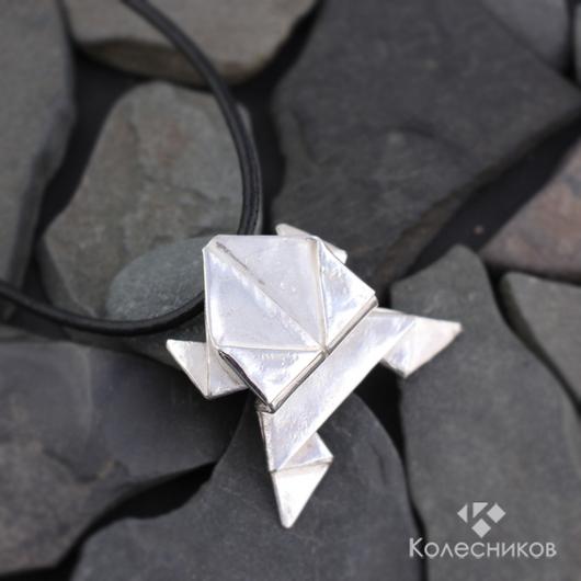"""Кулоны, подвески ручной работы. Ярмарка Мастеров - ручная работа. Купить Подвес """"Лягушка оригами"""". Handmade. Серый, из серебра"""