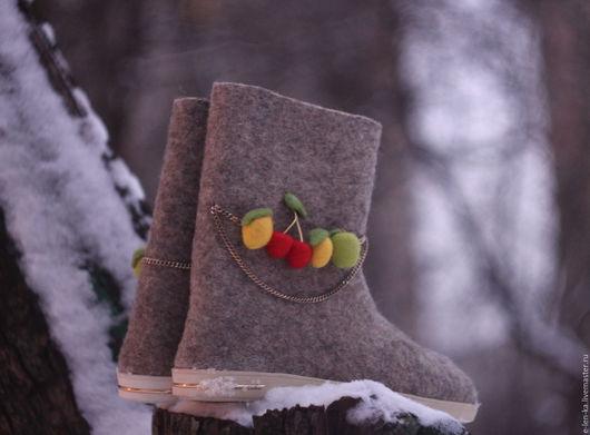 """Обувь ручной работы. Ярмарка Мастеров - ручная работа. Купить Валенки   """"Яркие фрукты """". Handmade. Валенки, русский стиль"""